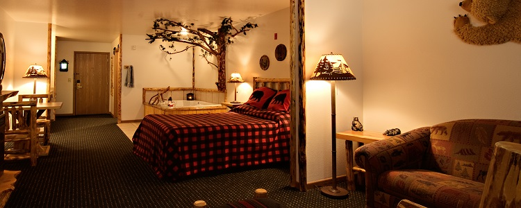 Voyageur Whirlpool & Fireplace Suite At Meadowbrook Resort & Dells Packages In Wisconsin Dells