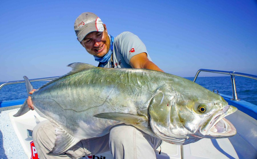 cyril gressot guide de pêche au thon et à la liche