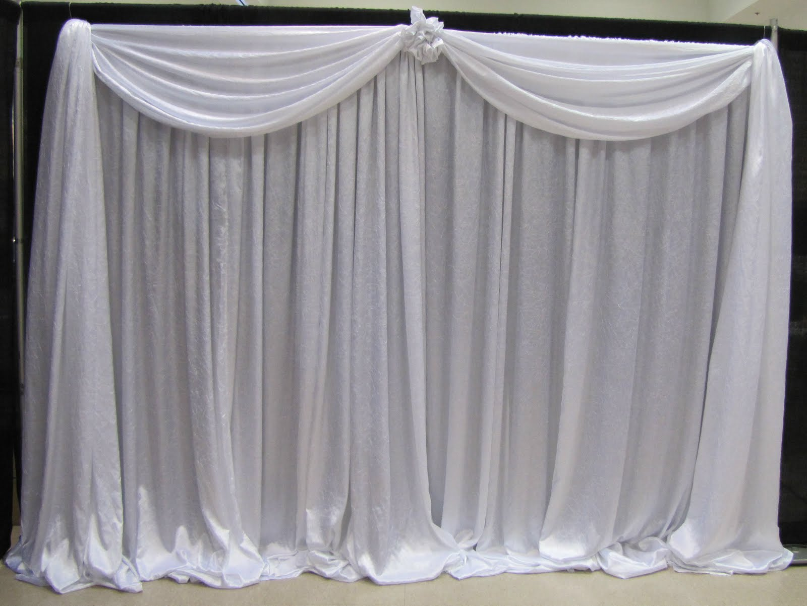 Backdrop curtains : Furniture Ideas | DeltaAngelGroup on Draping Curtains Ideas  id=78157