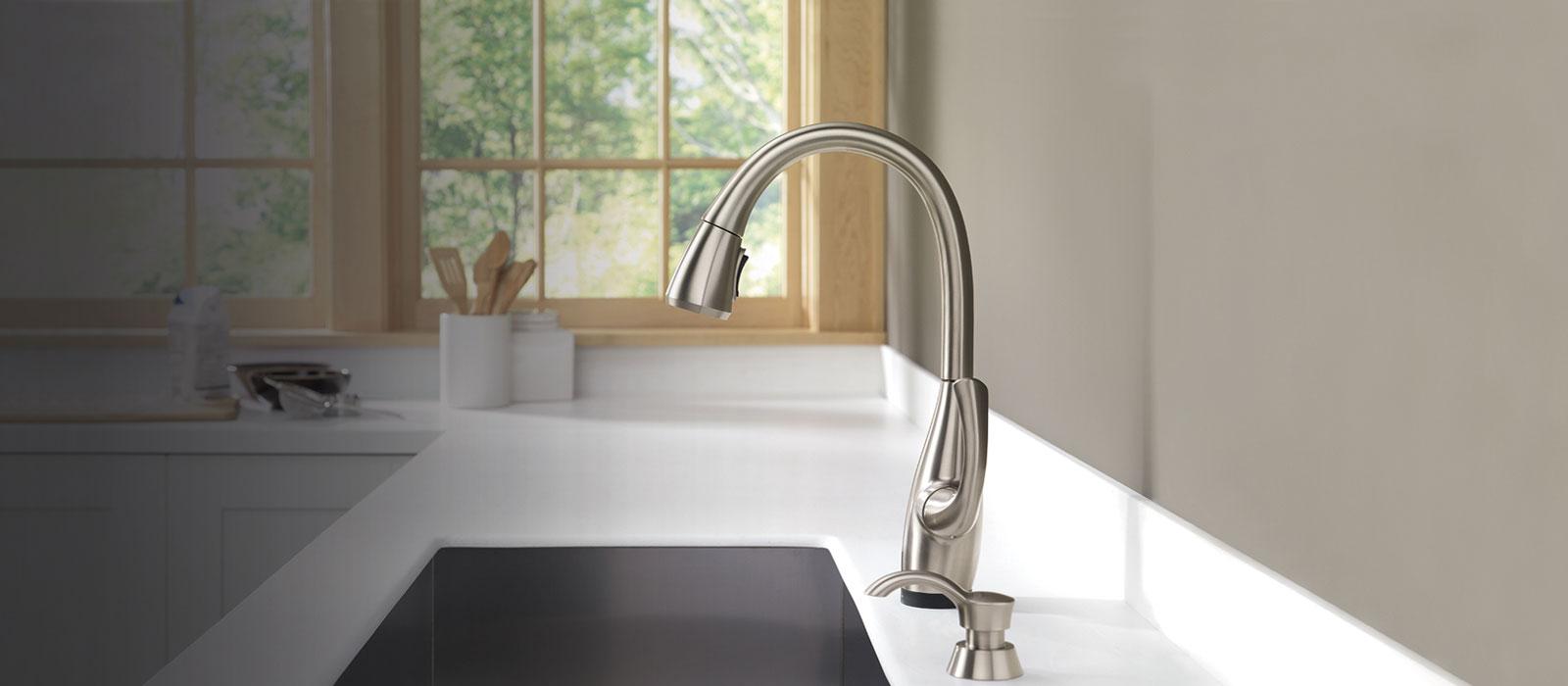 dominic kitchen collection delta faucet