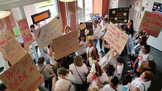 Une cinquantaine d'agents de la petite enfance ont manifesté hier à Saint-Omer