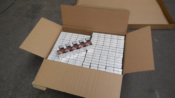 8,8 tonnes de cigarettes de contrebande saisie au terminal de Loon-Plage (© Douane Française)