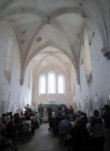 Les Templiers Avalleur intérieur de la chapelle 220x300 - « Cave ne cadas – Prends garde à la chute. » (Avertissement donné à Rome par un esclave au triomphateur, pour lui rappeler les vicissitudes de la fortune.)