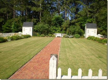 gloria's garden 040