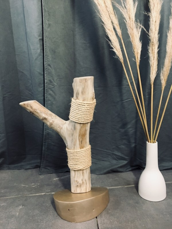 Bois flotté. Arbre à chat en bois flotté avec corde naturelle. Décoration design en bois flotté, fabrication artisanale Française by Deluxe Créations