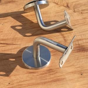 Support en acier pour rampe en bois flotté