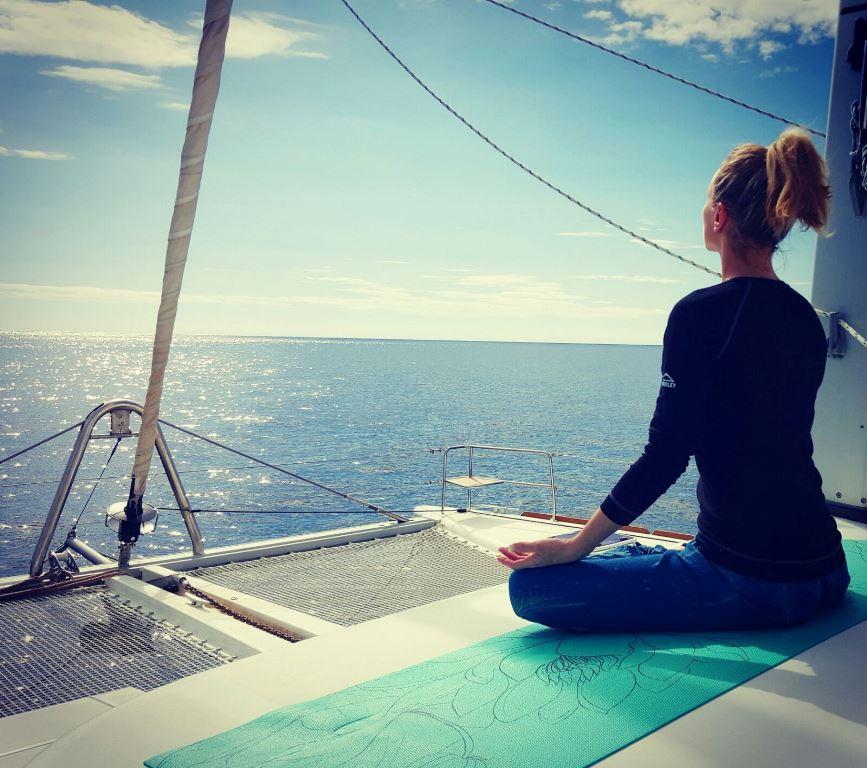 Yoga sailing Yoga Katamaran