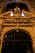Le Manoir est situé au 18, rue de Paradis.