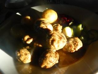 Les boulettes de boeuf sont un des seuls plats typiquement suédois et relativement abordables.