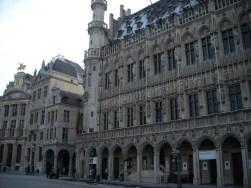 La Maison du Roi, en face de l'hôtel de ville.