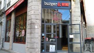 Burger and Wine a deux enseignes, une à Confluence, l'autre à la Martinière.
