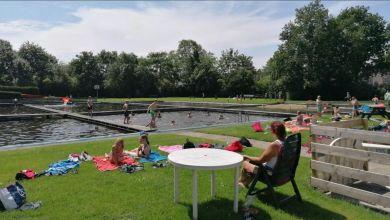 Photo of Nu het nog kan: genieten van de verkoeling in natuurzwembad Wieringerwaard
