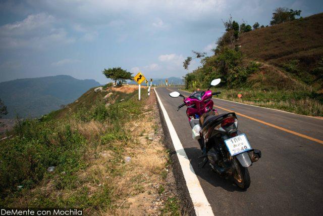 moto y carretera