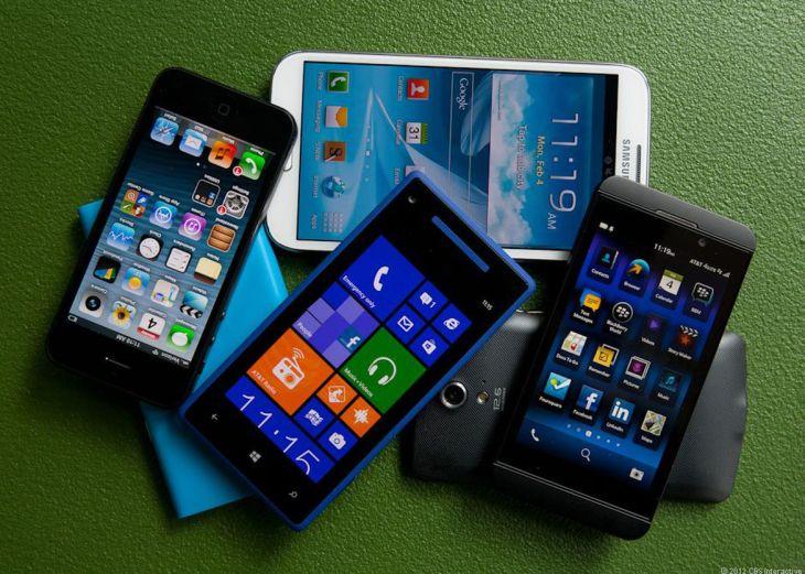 PileOfPhones-9190