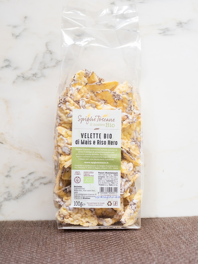 Demetra Bottega Nuvole Puffed Corn and Black Rice Chips from Spighe Toscane
