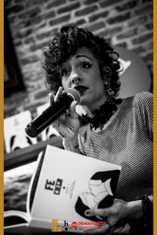 Harpo Libros |Irene Xen un momento de la presentación.