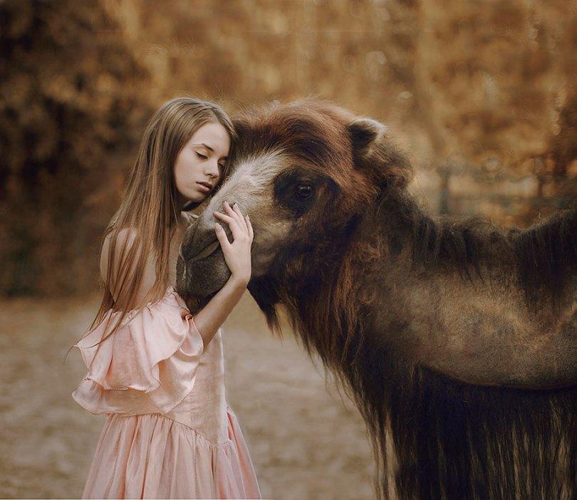 surreal animal human portraits katerina plotnikova 15 - Fotografias místicas: Pose de animais reais com seres humanos