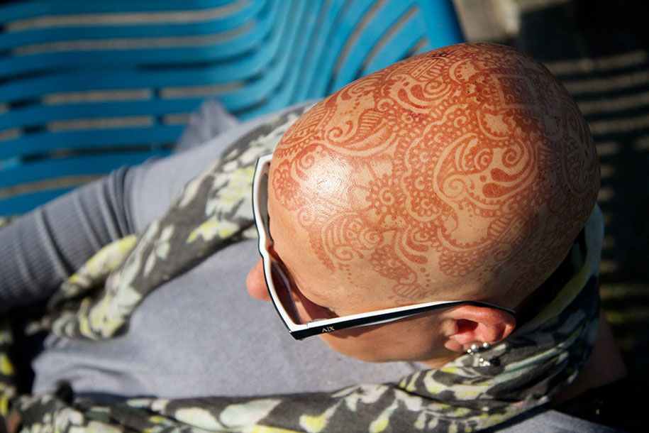 Beautiful Henna Crowns Help Cancer Patients Overcome Their