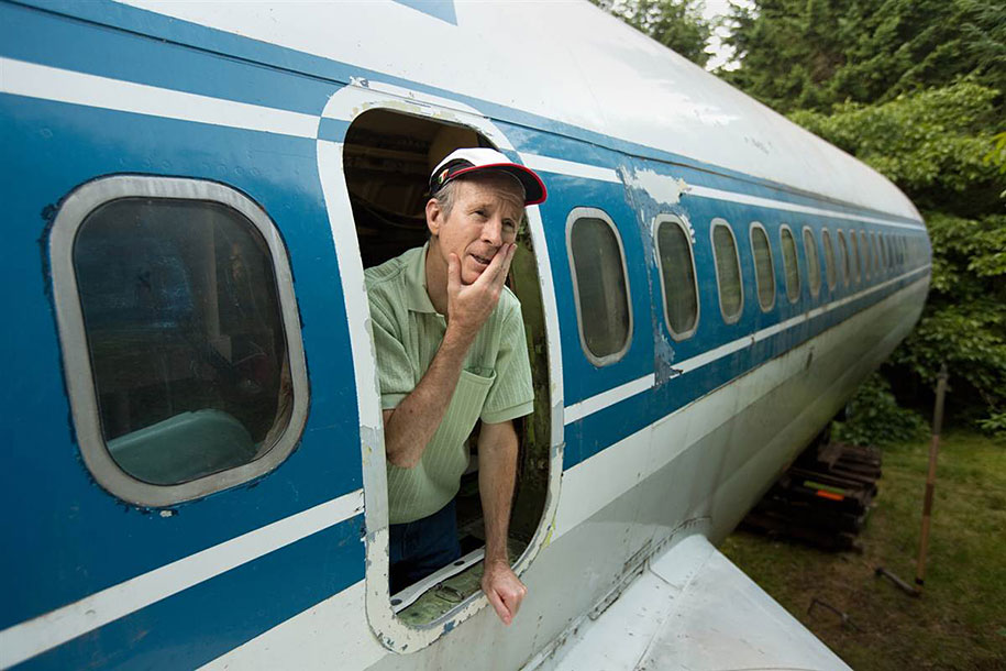 old-boeing-727-recycled-plane-home-bruce-campbell-11