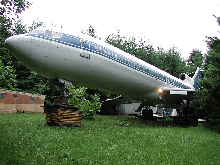 old-boeing-727-recycled-plane-home-bruce-campbell-17