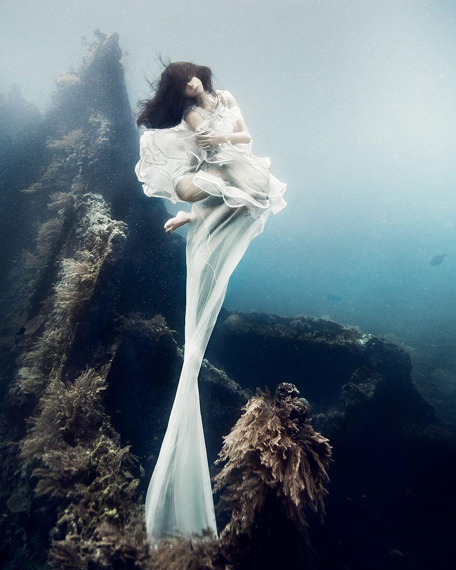 underwater-photography-shipwreck-bali-benjamin-von-wong-5