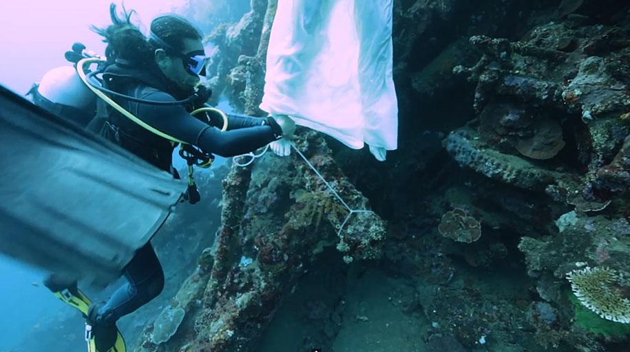 underwater-photography-shipwreck-bali-benjamin-von-wong-8