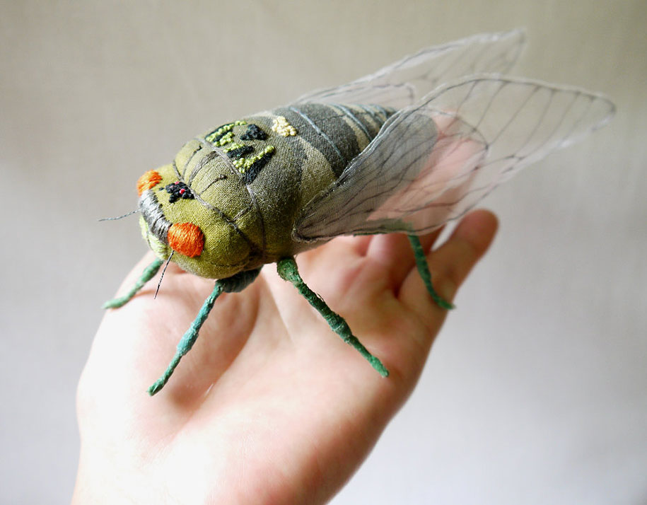 textile-art-fabric-sculptures-insects-moths-butterflies-yumi-okita-2