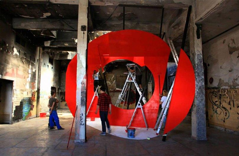 forced perspective art bending space georges rousse 4 - Foto em perspectiva: Arte geométrica 3D por Georges Rousse é visível apenas de um ângulo