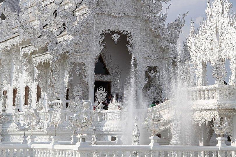 templo-branco-wat-rong-khun-budista-tailândia-arquitetura-8