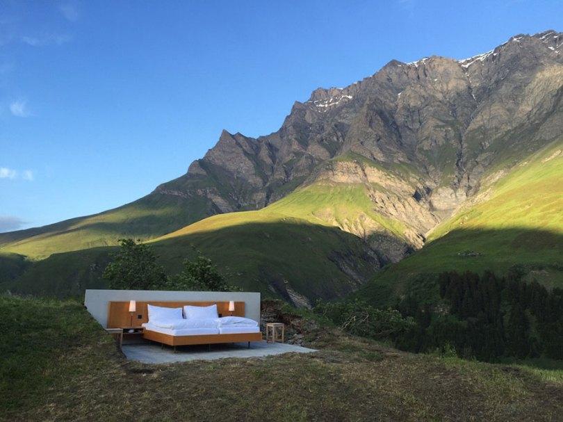 mountain bed suite swiss alps null stern hotel 1 - Dormir literalmente ao ar livre nos Alpes suíços vendo as estrelas