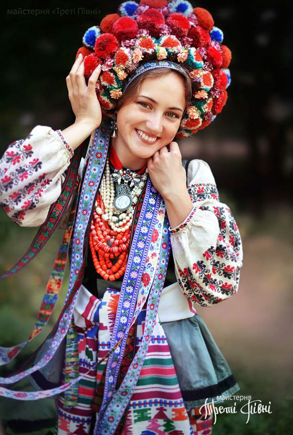 traditional-ukrainian-flower-crowns-treti-pivni-9