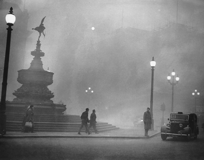 20th-century-london-fog-vintage-photography-17