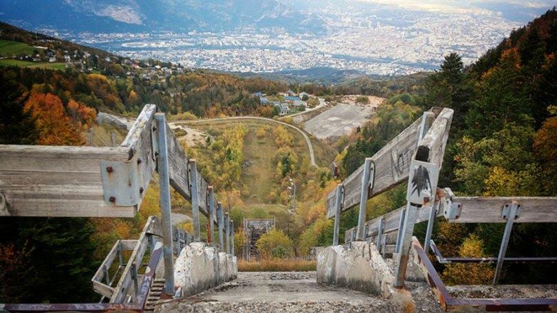 abandoned olympic venues urban decay 34 - Como ficou o complexo olímpico do Rio 2016 após o evento?