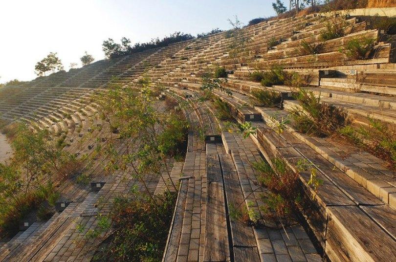 abandoned olympic venues urban decay 38 - Como ficou o complexo olímpico do Rio 2016 após o evento?