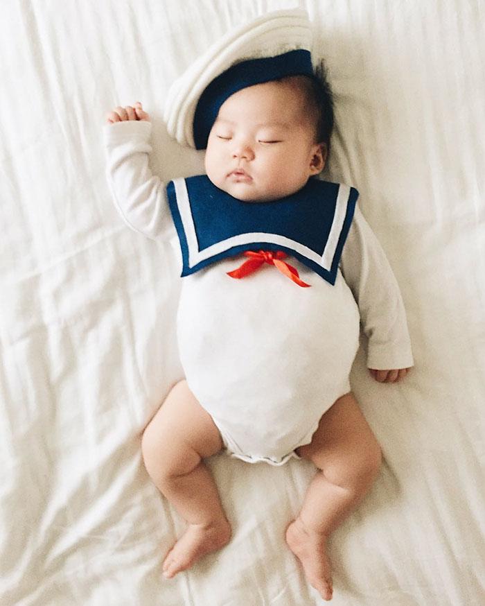 baby-sleeping-cosplay-joey-marie-laura-izumikawa-choi-5
