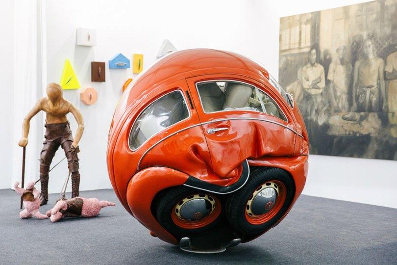 carro-bolas-carros-comprimido-em-perfeito-esferas-ichwan-noor-7