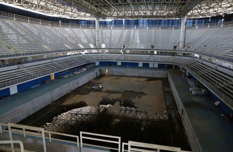 maracana olympic facilities fall apart urban decay rio 2016 9 - Como ficou o complexo olímpico do Rio 2016 após o evento?