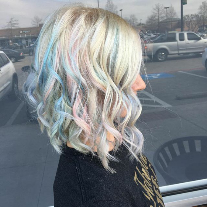 Holographic Hair Is The Hot New Trend Of 2017 Part 2