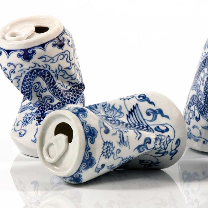 porcelain cans sculptures drinking tea lei xue 5 - Latas de refrigerante esmagadas feitas de porcelana