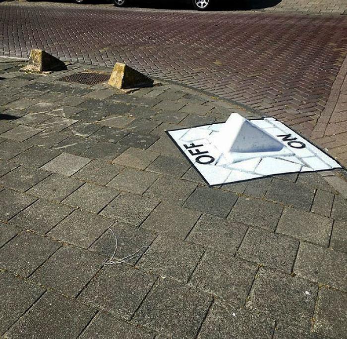 59788057d770c creative street art positive vandalism 14 5970496ee288a  700 - Coisas hilárias captadas em fotos