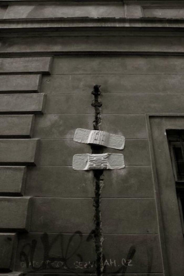 59788059d8290 creative street art positive vandalism 4 596f65d9e2c9b  700 - Coisas hilárias captadas em fotos