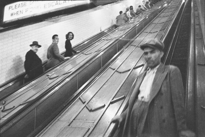 59ad1112d552d vintage photographs new york street life stanley kubrick 59a91e1f65744  700 - Fotos de Stanley Kubrick com 17 anos revela que ele sempre foi um gênio
