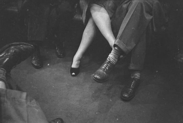 59ad111342fa4 vintage photographs new york street life stanley kubrick 30 59a91d263139a  700 - Fotos de Stanley Kubrick com 17 anos revela que ele sempre foi um gênio