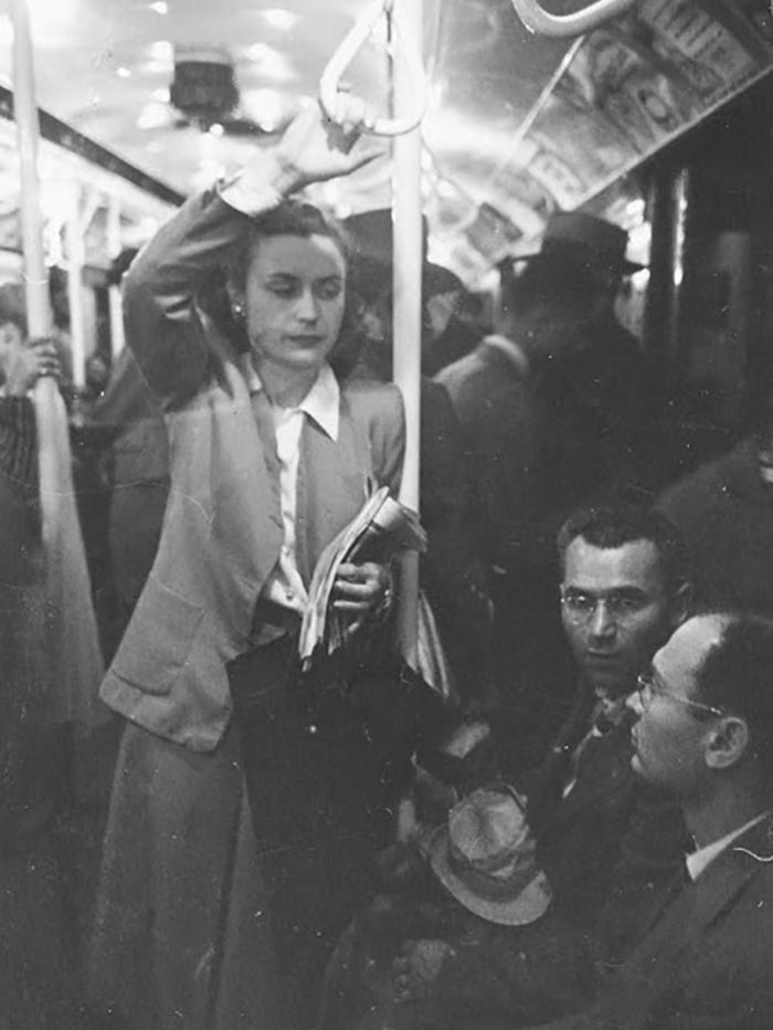 59ad111cec3c3 vintage photographs new york street life stanley kubrick 22 59a91d17e41cf  700 - Fotos de Stanley Kubrick com 17 anos revela que ele sempre foi um gênio