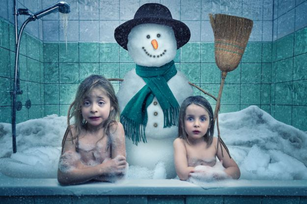 5a8ae4ed42915-My-profession-is-IT-but-my-passion-is-photography-and-3D-5a8536e9d8b1e__880 Artist Makes Crazy Photo Manipulations With His Three Daughters And Son, And Here Are The Results Photography Random