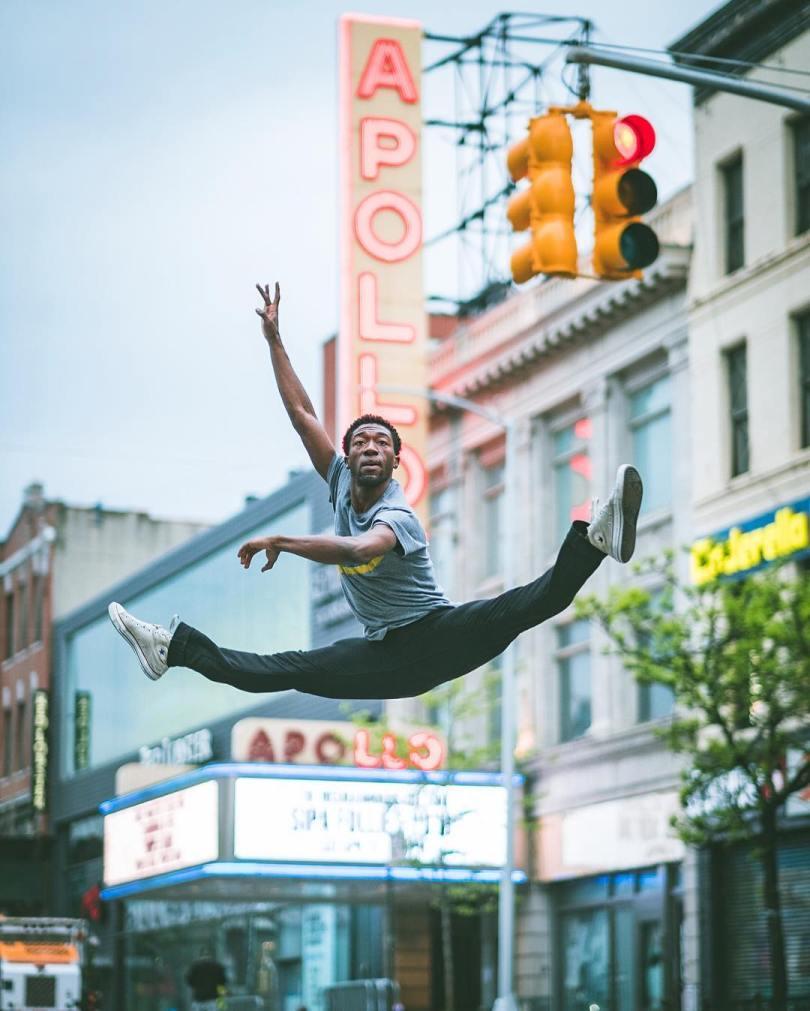 omarzrobles 12383673 1681120715488632 1177260272 n 2 - Dançarinos de balé praticam seus movimentos nas ruas para foto