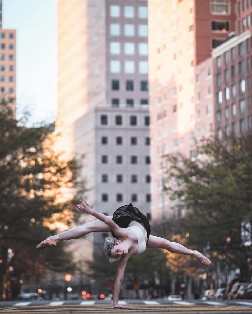 omarzrobles 12531050 1533755623595224 1567521929 n 2 - Dançarinos de balé praticam seus movimentos nas ruas para foto