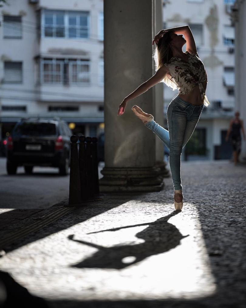 omarzrobles 27579293 137700803711133 9049662393805701120 n 1 - Dançarinos de balé praticam seus movimentos nas ruas para foto