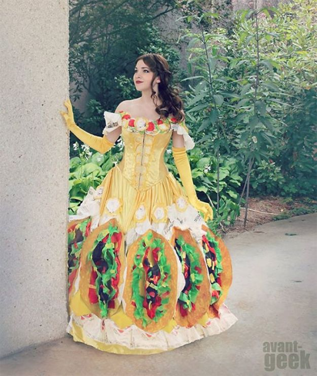 5ac5c89ce14e4-pun-cosplay-ideas-6-5abcb0ceaf3fb__700 20+ Pun-tastic Costumes You'll Have To Look At Twice To Understand Random