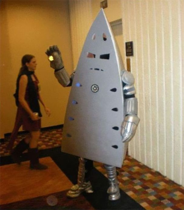 5ac5c8a0de55a-pun-cosplay-ideas-29-5abe4b9f6dc03__700 20+ Pun-tastic Costumes You'll Have To Look At Twice To Understand Random